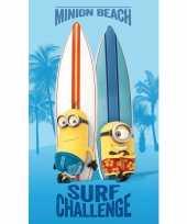 Blauwe minion surf strand bad handdoek 70 x 120 cm groot